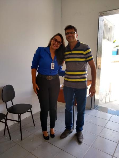 A equipe do  Projeto União Cláudia Santos e o professor Ivan Dias  se fez presente  na Câmara Municipal para a realização das matrículas para a formação de operadores de máquinas pesadas.